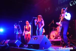 Los gallegos The Lákazans fueron los primeros en subirse al escenario en esta cuarta edicion del Outono Códax Festival.