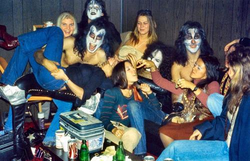 Kiss+Groupies+1974
